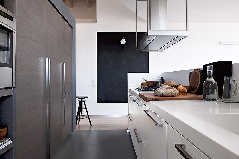 Cocina abierta al salón comedor - Key Cucine